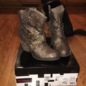 Not Rated glitter boots! 🐴🦄